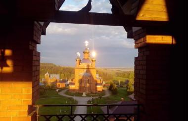 Фильм о женском монастыре Михаила Архангела, расположенного в селе Комаровка Ульяновского района, в 40 километрах от Ульяновска